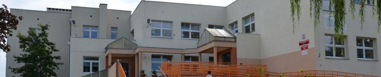 Szkoła Podstawowa nr 10 im. Jana Brzechwy w Rumi